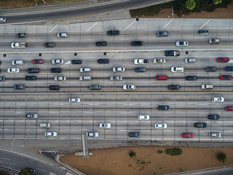 Rush Hour「Aerial looking directly down on Interstate 110 commuter traffic Los Angeles, CA」:スマホ壁紙(15)