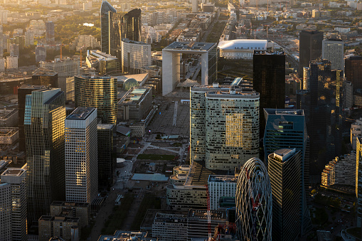 Helicopter Point of View「Aerial looking at La Defense Paris France, clear sunny day」:スマホ壁紙(15)