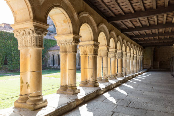 13th century Collegiate Church of Santillana and a benedictine abbey, Santillana del Mar, Spain, 2018:スマホ壁紙(壁紙.com)