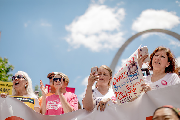 Jacob Moscovitch「Planned Parenthood Holds Rally To Protest Closure Of Last Abortion Clinic In Missouri」:写真・画像(14)[壁紙.com]