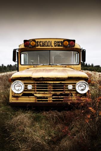 Deterioration「Forgotten Schoolbus」:スマホ壁紙(9)