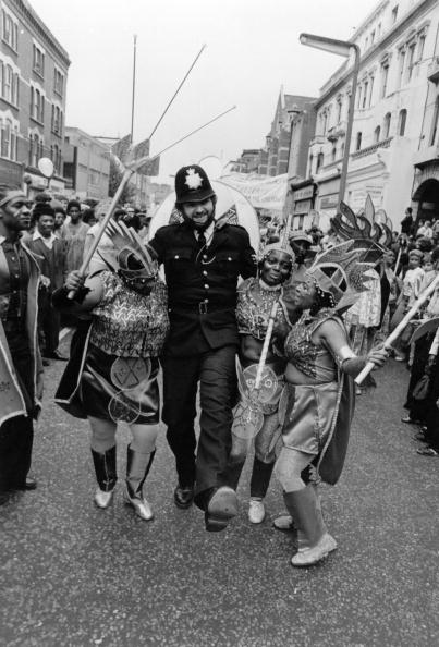 Social Issues「Carnival Cop」:写真・画像(4)[壁紙.com]