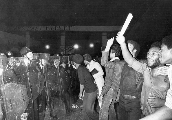Social Issues「Riot Police」:写真・画像(5)[壁紙.com]