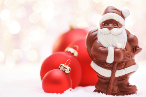 Milk Chocolate「Chocolate Santa and Red baubles」:スマホ壁紙(6)