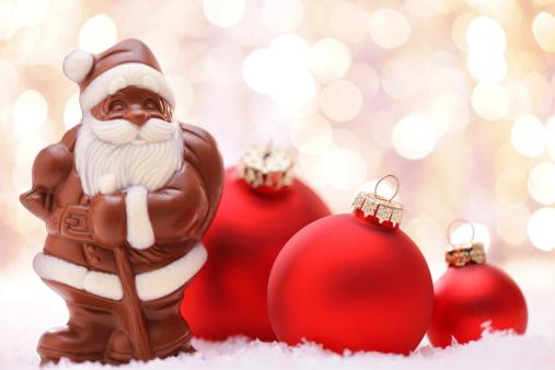 Milk Chocolate「Chocolate Santa and Red baubles」:スマホ壁紙(18)