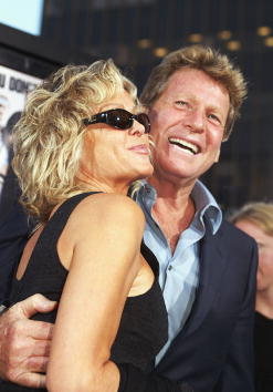 Farrah Fawcett「Los Angeles Premiere Of Malibu's Most Wanted」:写真・画像(7)[壁紙.com]