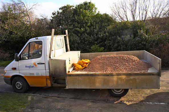 Finance and Economy「Delivery van with aggregates」:写真・画像(18)[壁紙.com]