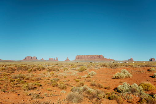 Monument Valley「USA, Utah, Navajo Nation, Monument Valley」:スマホ壁紙(17)