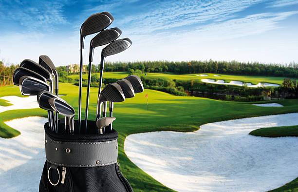 Golf Club And Bag With Fairway Background - XXLarge:スマホ壁紙(壁紙.com)