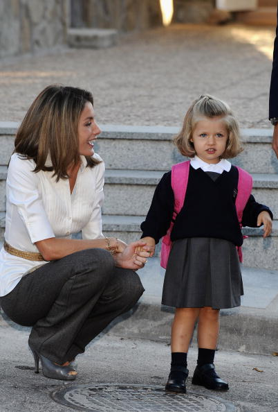 First Day Of School「Leonor of Spain Attends First Day of School」:写真・画像(12)[壁紙.com]