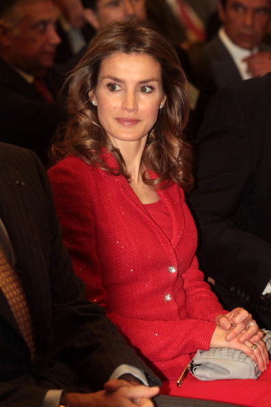 Purse「Spanish Royals Attend Chamber Of Commerce Meeting In Portugal」:写真・画像(4)[壁紙.com]