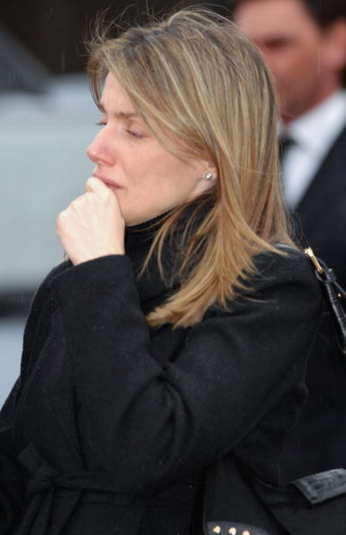 出席する「Spanish Royals Attend The Funeral Of Erika Ortiz」:写真・画像(16)[壁紙.com]