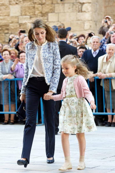 全身「Spanish Royals Attend Easter Mass in Palma de Mallorca」:写真・画像(0)[壁紙.com]