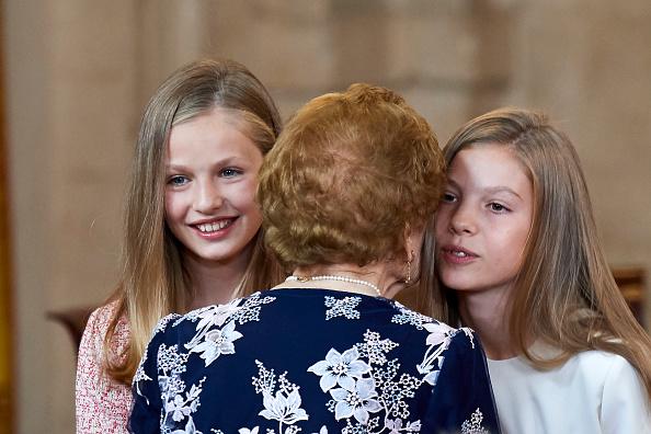 Spanish Royalty「Spanish Royals Deliver 'Order of the Civil Merit' Awards」:写真・画像(9)[壁紙.com]