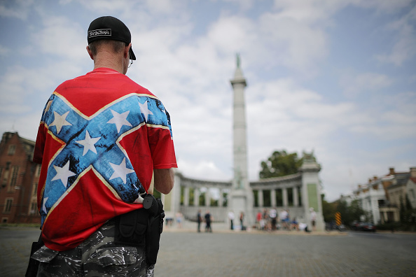 Prejudice「Confederate Heritage Groups Rally Richmond's Jefferson Davis Monument, After Commission Recommends Removal To Mayor」:写真・画像(15)[壁紙.com]