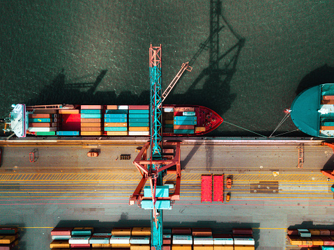 Drone Point of View「high angle view on Cargo crane container terminal」:スマホ壁紙(6)