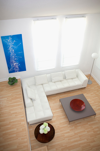 Gulf Coast States「High angle view of sofas and coffee table in modern living room」:スマホ壁紙(9)