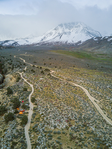 cloud「High angle view of Mountain in snow and Bishop, California, USA」:スマホ壁紙(0)