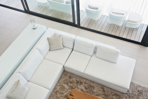 Living Room「High angle view of sectional sofa in modern living room」:スマホ壁紙(12)