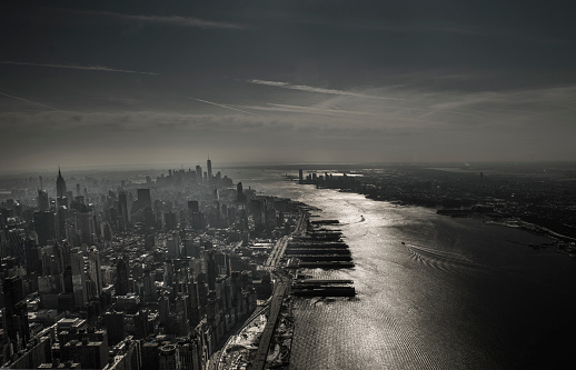 Empire State Building「High angle view of New York City skyline via helicopter」:スマホ壁紙(13)