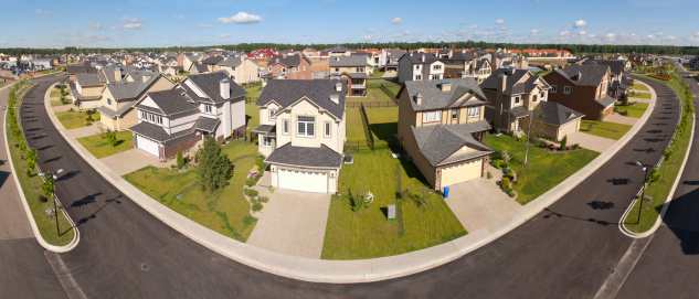 Panoramic「High angle view of suburban houses along a curving street」:スマホ壁紙(13)