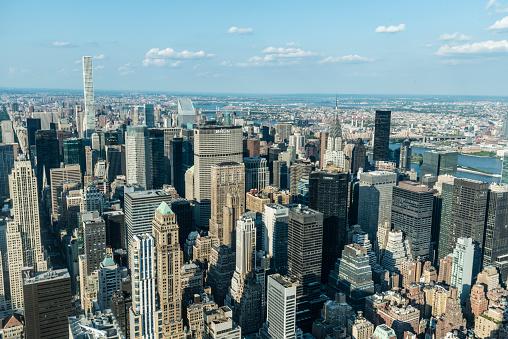 cloud「High angle view of Manhattan skyline, New York City」:スマホ壁紙(13)