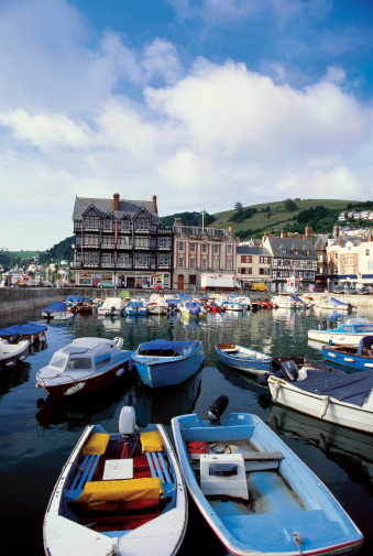Dartmouth - England「High angle view of boats docked at a harbor, Dartmouth Harbor, Devon, England」:スマホ壁紙(19)