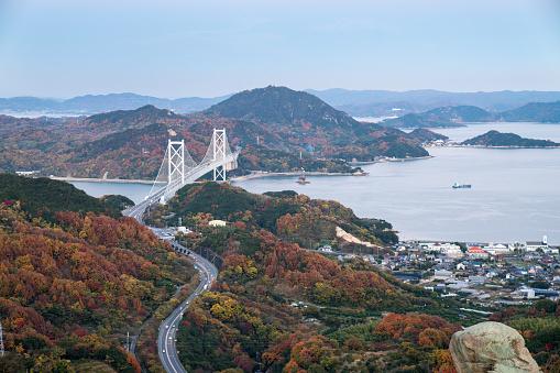 紅葉「高速道路と瀬戸内地域における橋のハイアングル」:スマホ壁紙(15)