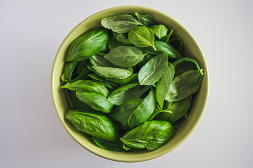 Basil「High Angle View Of Basil In Bowl」:スマホ壁紙(14)