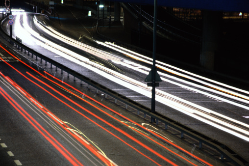 Motor Racing Track「high angle time lapse view of traffic on a city street at night」:スマホ壁紙(1)