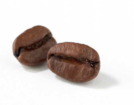 Two Objects「Coffee beans, white background」:スマホ壁紙(4)