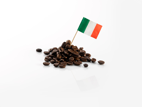 Coffee - Drink「Coffee beans with Italian flag」:スマホ壁紙(13)