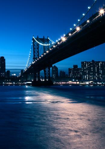Avenue「manhattan bridge at the blue hour」:スマホ壁紙(18)