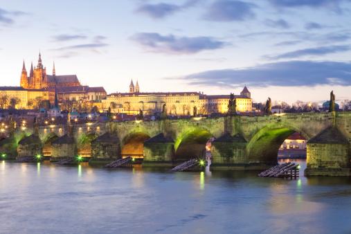 St Vitus's Cathedral「Prague, Charles Bridge and Hradcany Castle.」:スマホ壁紙(7)