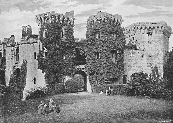 Overgrown「Raglan Castle: The Gateway」:写真・画像(13)[壁紙.com]