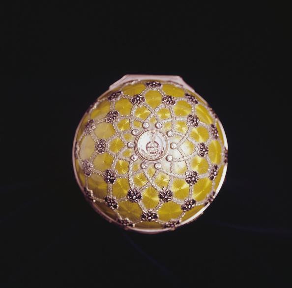 Single Object「Imperial Coronation Egg」:写真・画像(1)[壁紙.com]