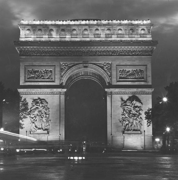 Architectural Feature「Arc De Triomphe」:写真・画像(2)[壁紙.com]