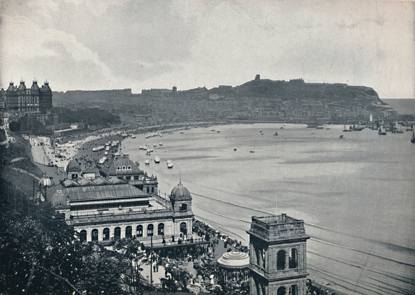 背景に人「Scarborough - General View Of The South Bay」:写真・画像(16)[壁紙.com]