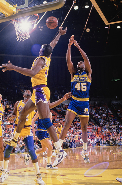 James Worthy「Indiana Pacers vs Los Angeles Lakers」:写真・画像(8)[壁紙.com]