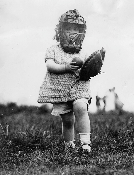 野球「Small girl as a baseball player, America, Photograph, 1932」:写真・画像(6)[壁紙.com]