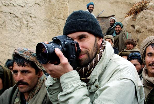 Central Press「Photographer Oleg Nikishin Working in Afghanistan」:写真・画像(1)[壁紙.com]