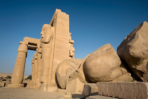 Undertaker「Luxor, Egypt; The Ramesseum」:スマホ壁紙(11)