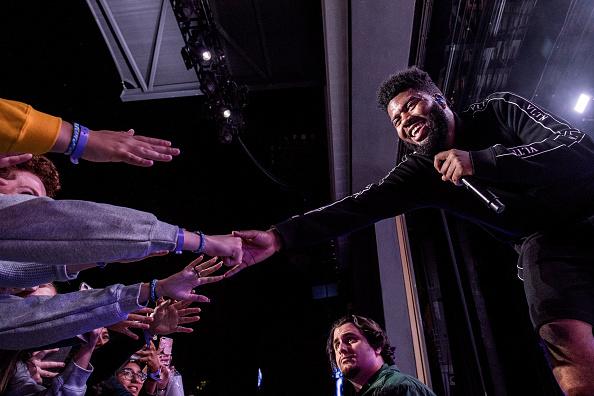 Singer「Khalid Performs At Greek Theatre」:写真・画像(3)[壁紙.com]