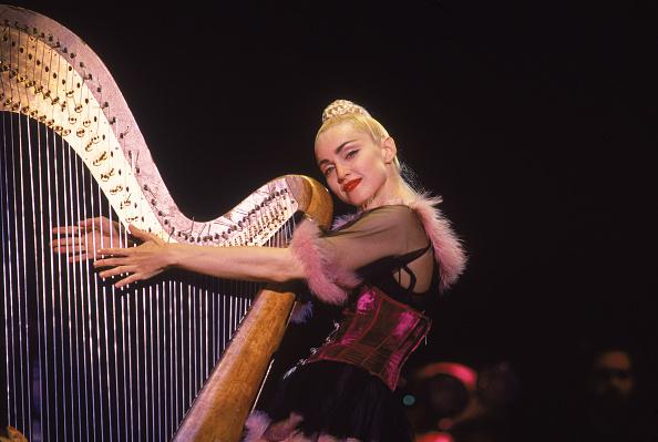 Singer「Madonna On Stage In Japan」:写真・画像(8)[壁紙.com]
