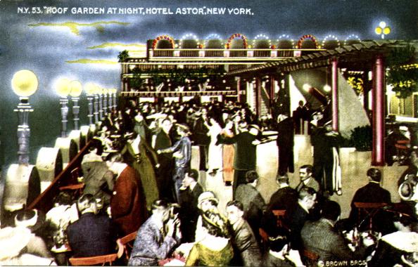 20-29 Years「Hotel Astor, New York City - roof garden at night」:写真・画像(5)[壁紙.com]