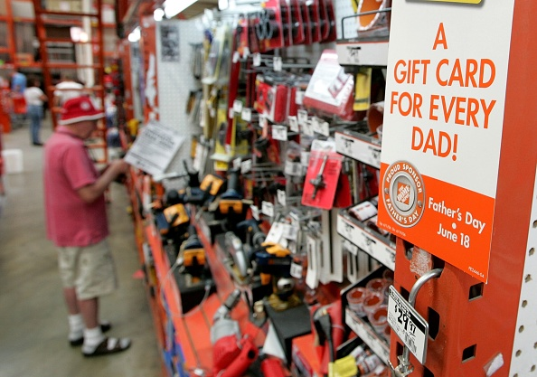 父の日「Retailers Seek To Boost Fathers Day Sales」:写真・画像(0)[壁紙.com]