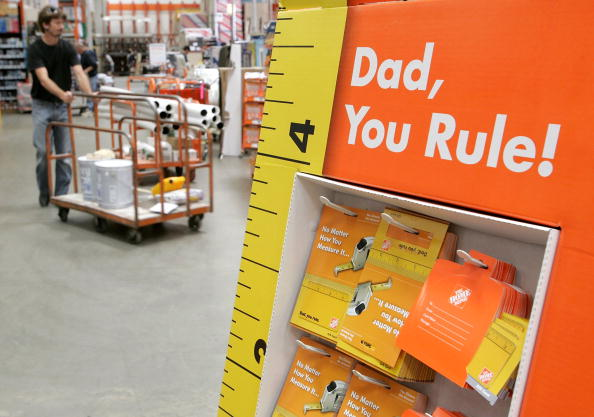 父の日「Retailers Seek To Boost Fathers Day Sales」:写真・画像(2)[壁紙.com]