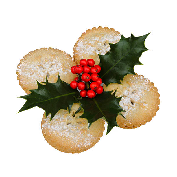 Mince pies decorated with holly leaves and berries:スマホ壁紙(壁紙.com)