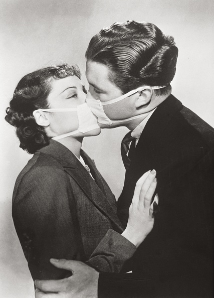 Infectious Disease「Film kiss with protective mask」:写真・画像(10)[壁紙.com]
