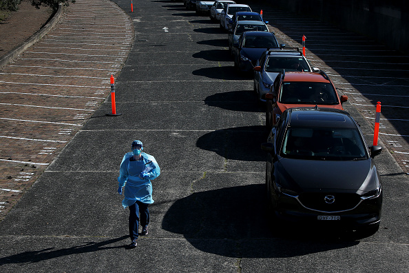 Waiting In Line「COVID-19 Testing Increases In Sydney As Authorities Work To Contain Growing Coronavirus Cluster Outbreaks Across NSW」:写真・画像(15)[壁紙.com]